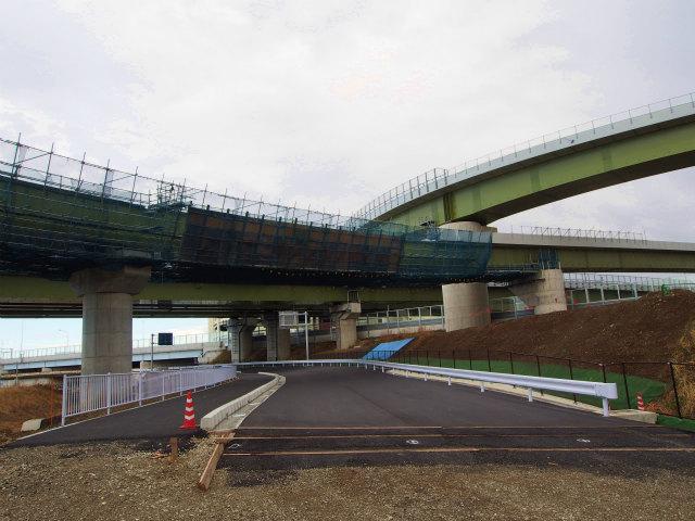 工事のために撤去されていた市道の復旧工事。