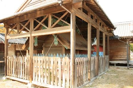 住吉神社の古い社殿