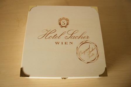 ワインの箱1