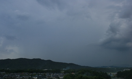 不穏な雲3