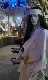怪しい博物館2F1