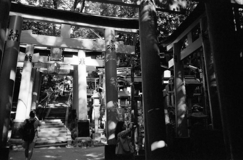 稲荷山熊鷹社への石段