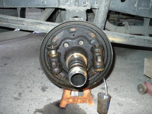 キャンター後輪ブレーキ11