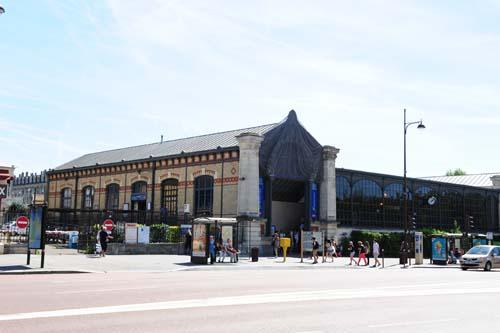ヴェルサイユリヴゴーシュ駅