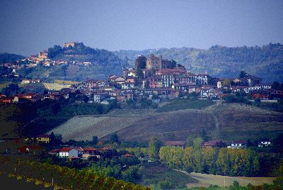グリンツァーネ・カヴール城からの眺めss002ロッディ城