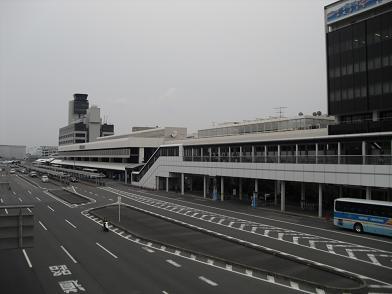 12 大阪空港・ANAターミナル側
