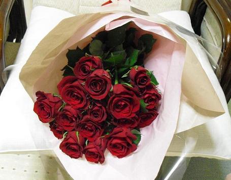 4 バラのフレゼント