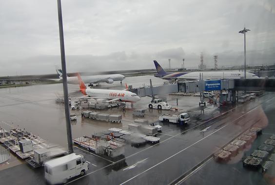 1 関空・出発ターミナルへ
