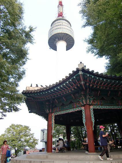 25 南山のNソウルタワー