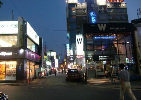 26 地下鉄1号線・清涼里駅前