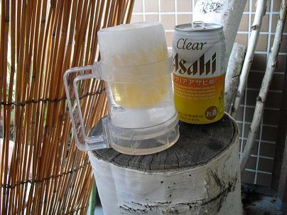 1 氷で作ったビールグラス