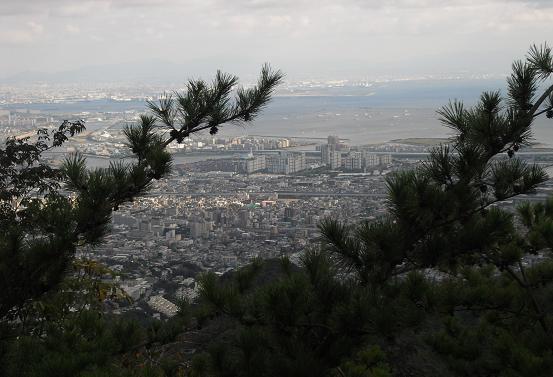 6 荒地山下山途中より大阪湾