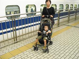 12 新大阪・到着を待つ