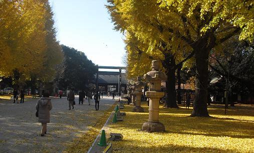 3 靖国神社・参道