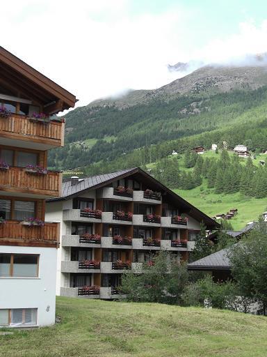 8 宿泊ホテル