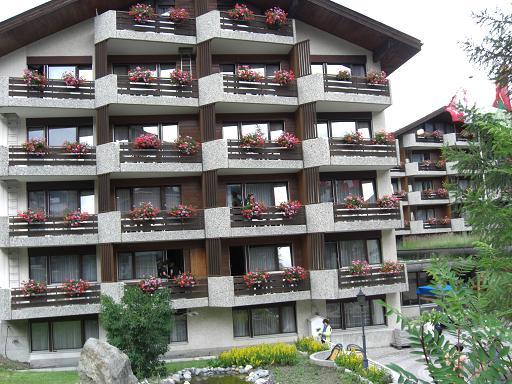 9 宿泊ホテル