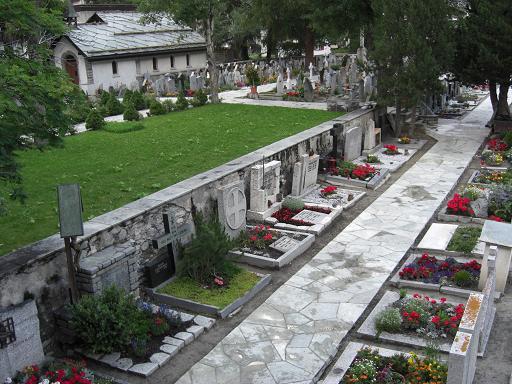 13 ツェルマットの街並み・お墓