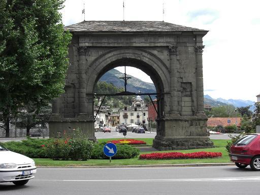 6 イタリア・アオスタの街
