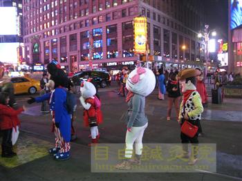 NYC 小ネタ キティ ミッキー 2013