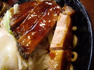 つけ麺鬼面山 鬼つけ麺(カットされた肉)