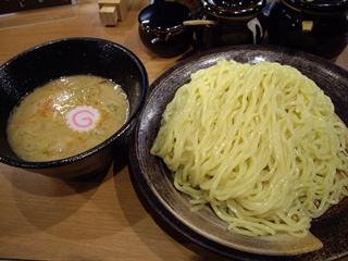 吉虎 鶏白湯つけ麺