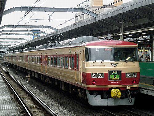 宮オオ185系OM08編成「草津83号」(2012年12月31日・赤羽駅)