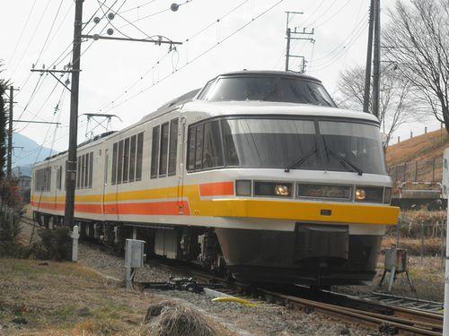 富士急行2000形2002編成(2014年1月26日・禾生駅)1