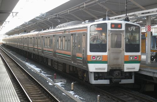 高タカ211系「C16」編成+「A編成」(編成番号未詳)(2014年2月10日・浦和駅)