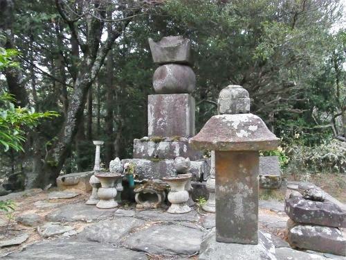 瀧川氏の墓