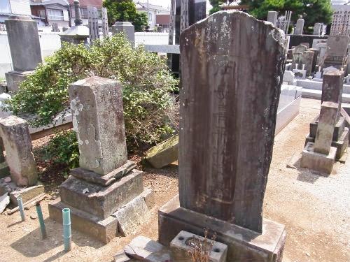 関弥太郎の墓