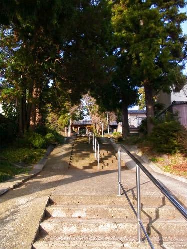 覚範寺階段