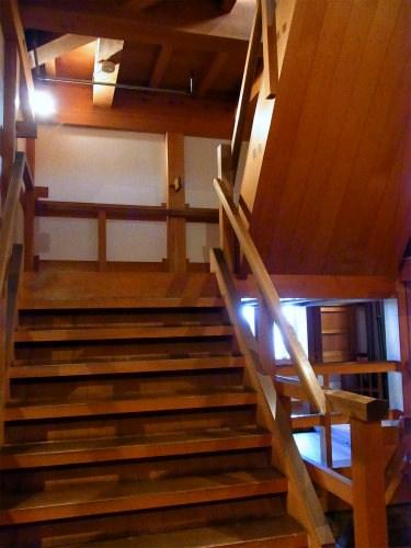 名物・急な階段