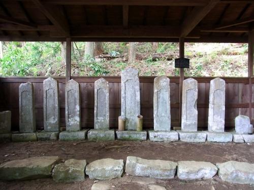 8蘆名家墓所 (1200x900)