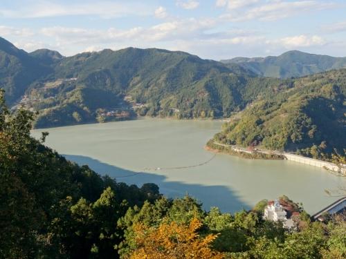 7城峯公園展望台から (1200x900)
