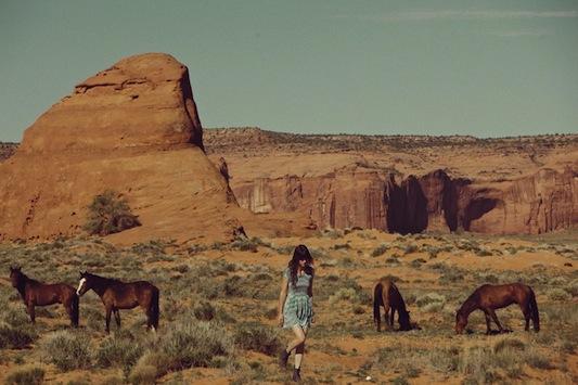 Bonadrag-Lookbook-All-The-Wild-Horses-201214.jpg
