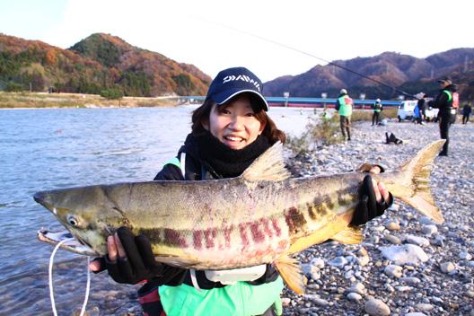 2012 荒川サケ有効利用釣獲調査 鮭釣り