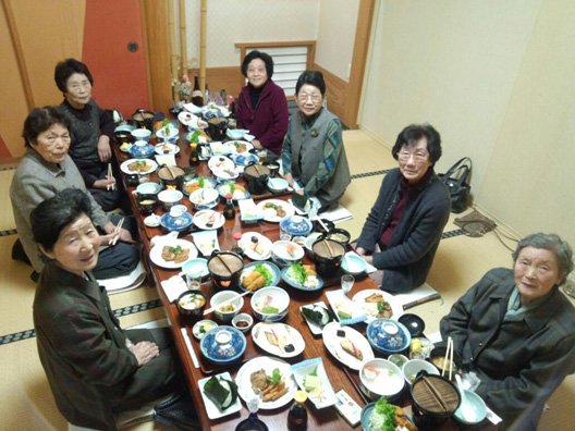 80歳のお祝い 同級会 昼食会 村上坂町