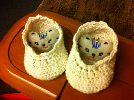 編みベビ靴