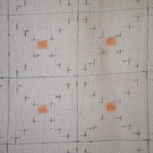 帯は合わせやすいです。染め帯でも、ざっくりした紬の帯でも、くだけた感じの半幅帯でも。