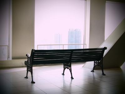 こんな素敵な椅子もありますが…。