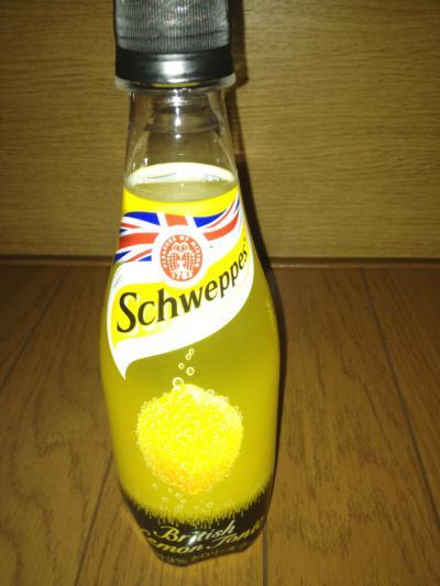 2012 07 10 シュウェップス ブリティッシュ レモントニック 1
