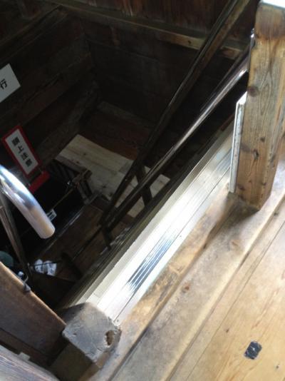 2012 07 17 彦根城 内部 急勾配の階段