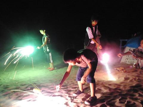 砂浜で花火♪