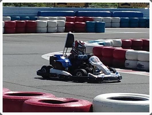 レーシングカー体験