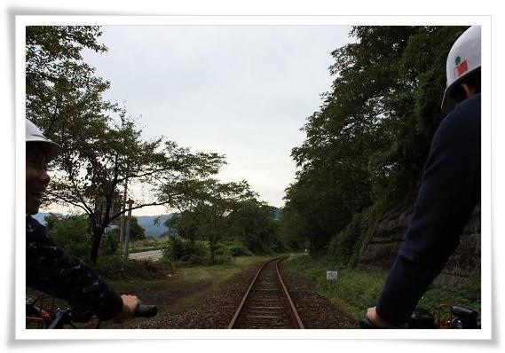 線路の上を走る♪