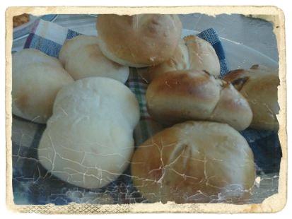 朝食焼きたてパン