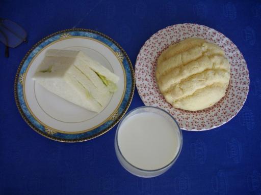 今日の昼食(10日)