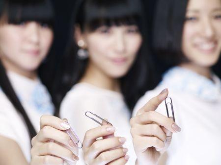 PerfumeClip_1.jpg