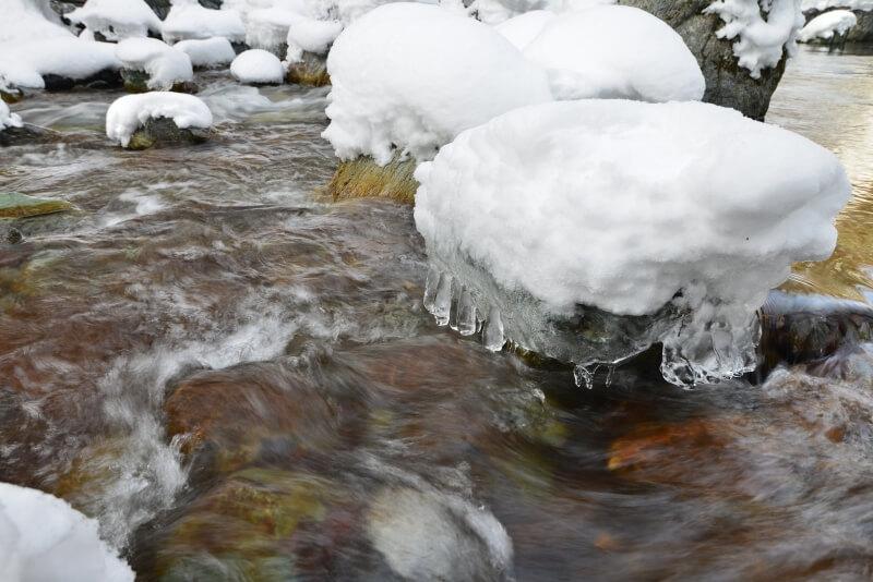 飛沫氷柱 (徳島県東祖谷)