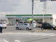 越谷市民球場横ファミリーマート